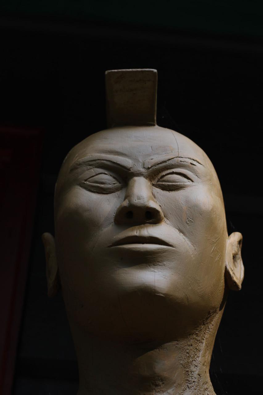 Cigar Statue